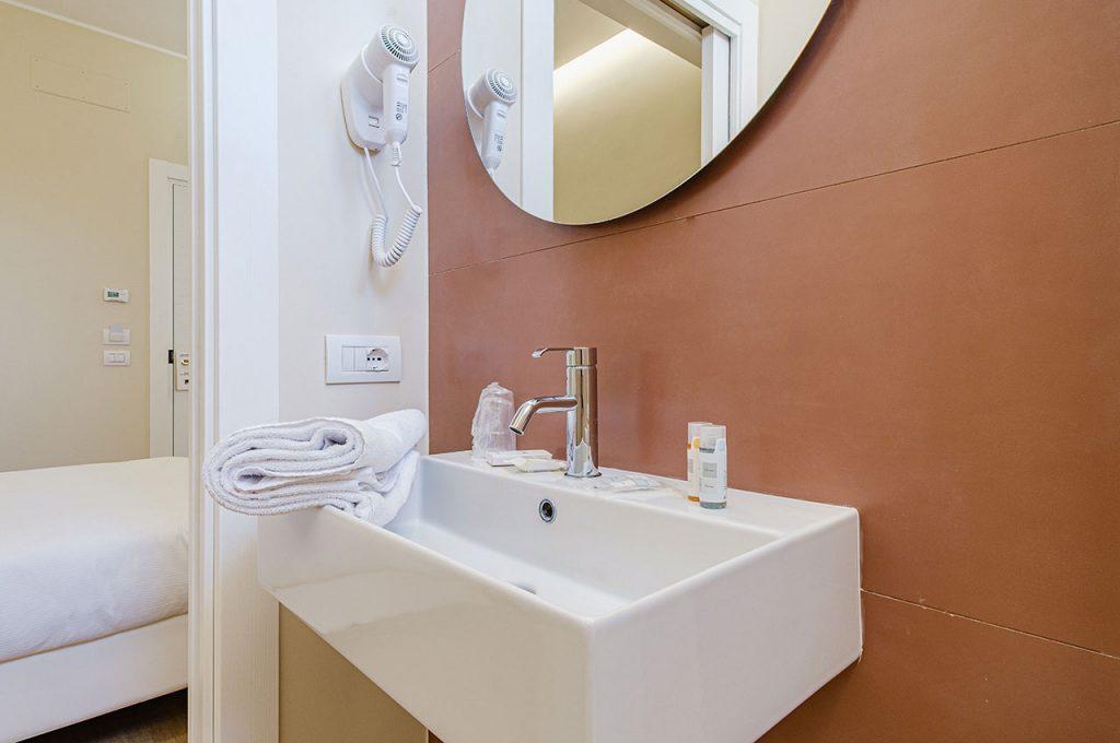 Hotel Boston Bari - Doppia uso singola letto francese